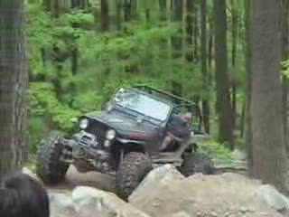 Jeep 4 x 4 on the rocks from:ATV CRASHER